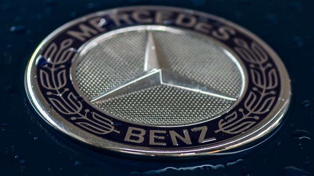 Un Mercedes-Benz stabileste noi standarde oriunde apare