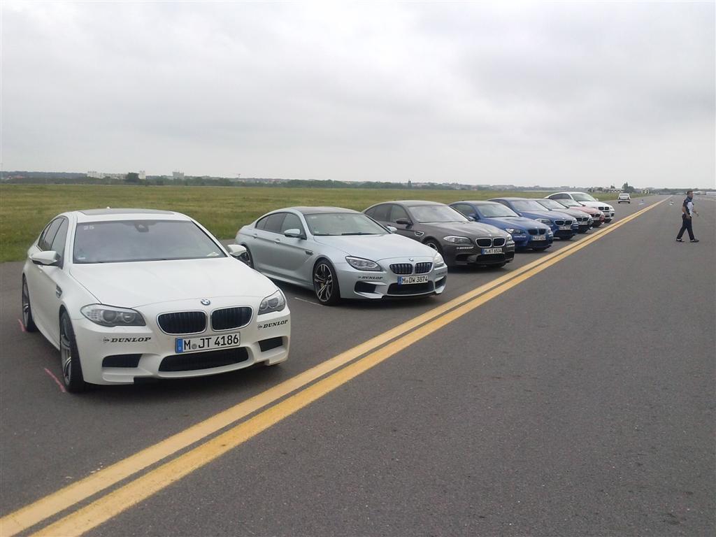 BMW a dezlantuit peste 4500 de  cai putere pe pista Aeroportului Baneasa