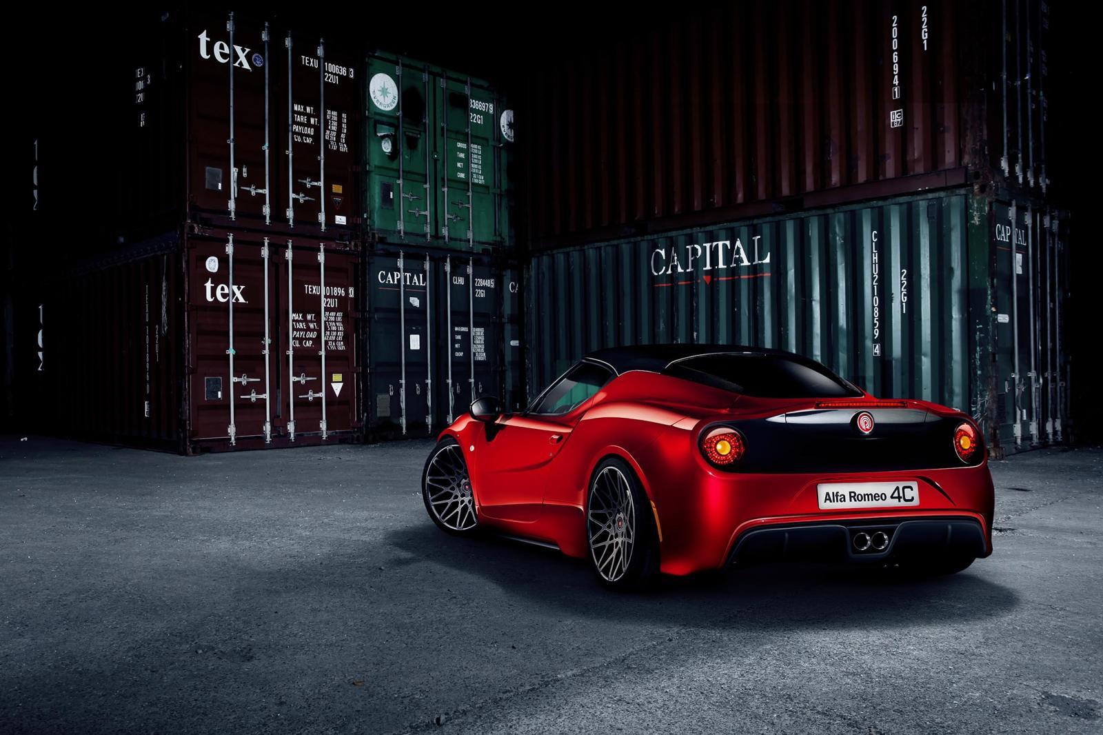 Cu 415 CP sub capota, Alfa Romeo 4C va fi privit mai mult din spate