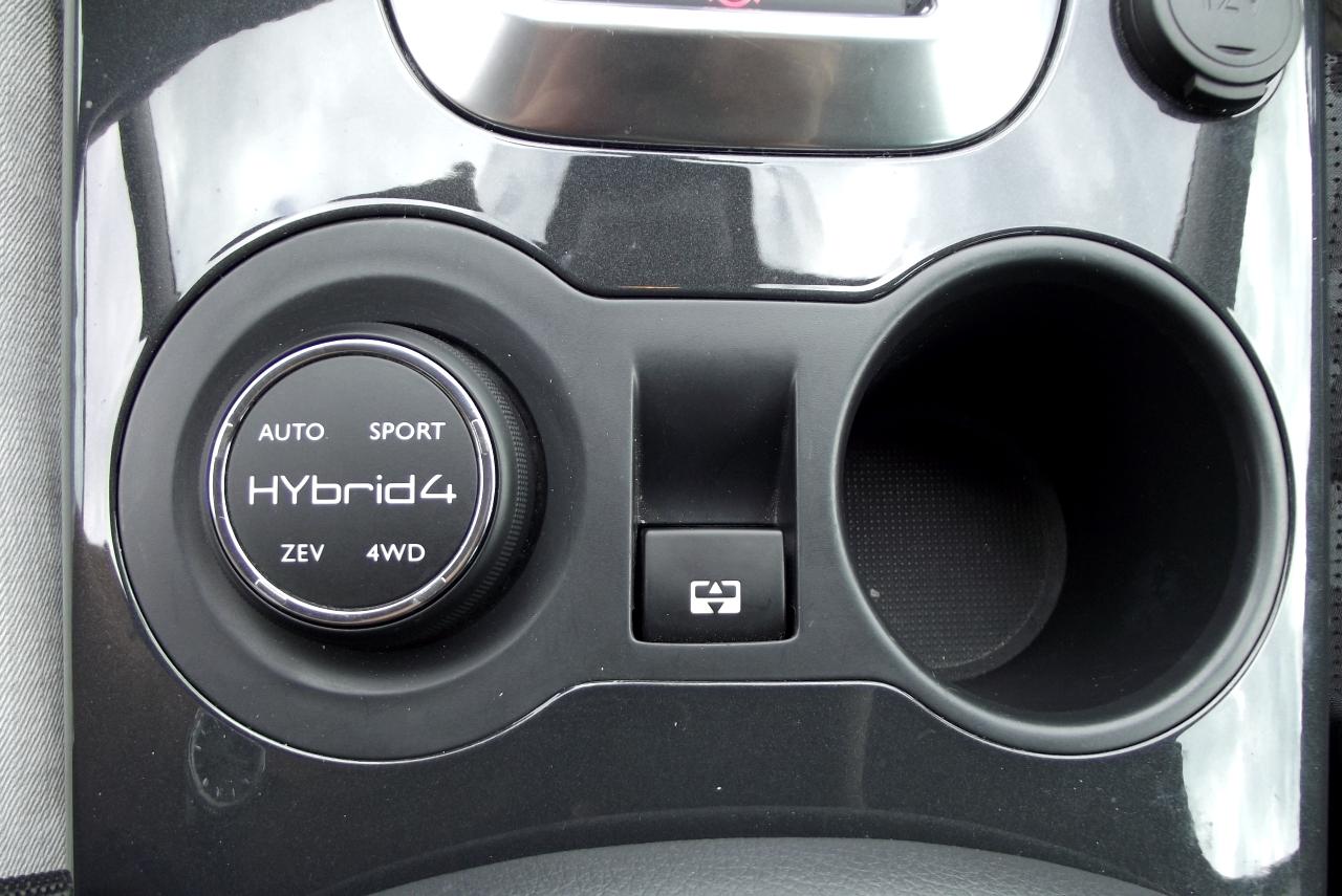 Controller-ul din stanga poate fi folosit pentru alegerea modului de rulare
