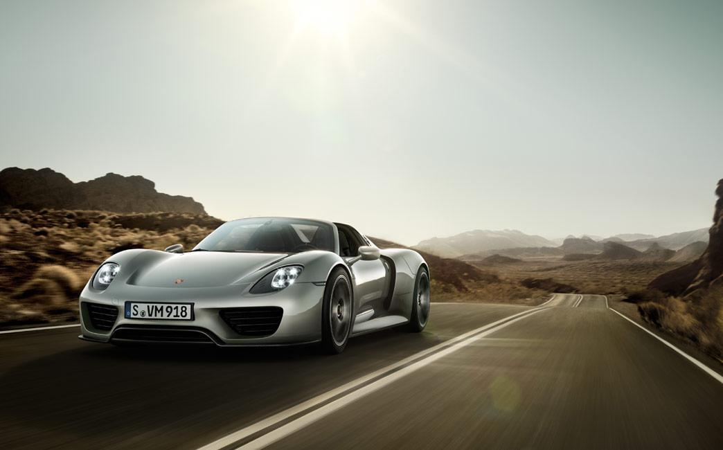 Porsche 918 Spyder se va asorta perfect cu drumurile lungi. Cat mai lungi.