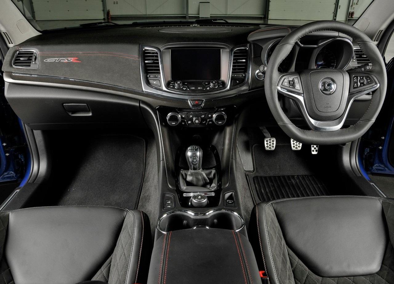 Vauxhall-VXR8_GTS-R_04